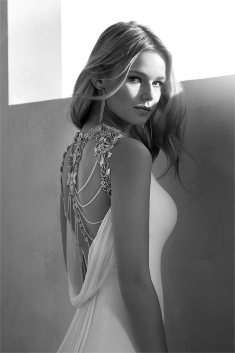 Romantic Queens Novia